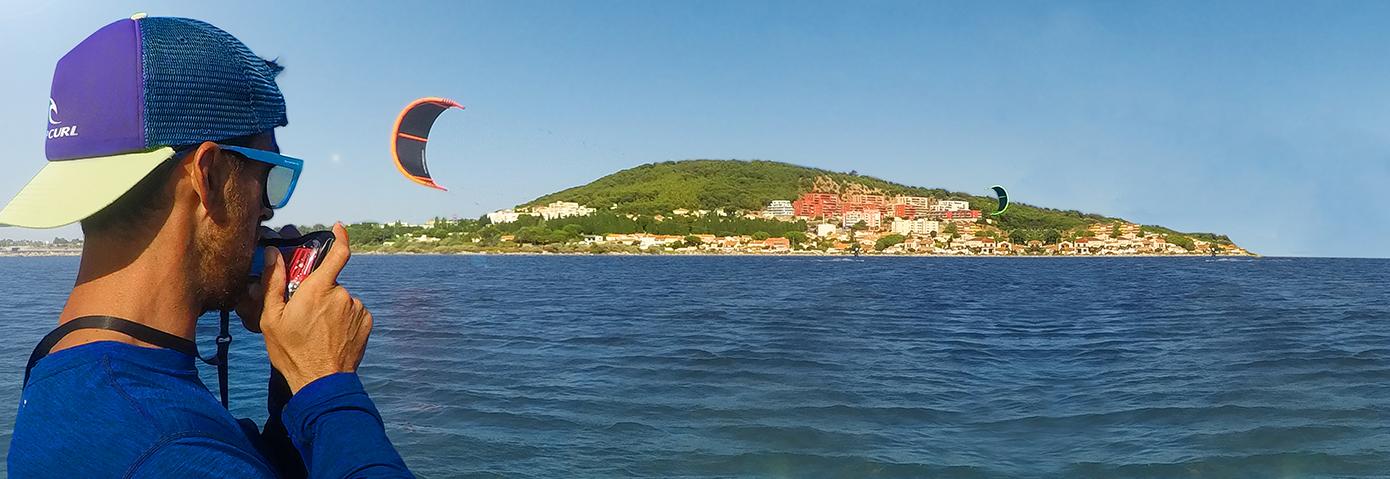 Xavier votre moniteur de kitesurf et fondateur de l'école Kite Premium à Sète.